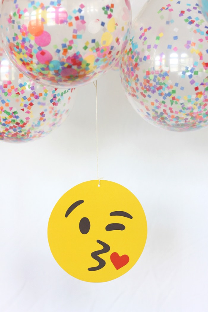 Kara's Party Ideas Instagram Emoji Themed Teen Birthday Party | Kara's ...
