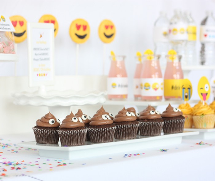 Sweets + Sweet Table Details from an Instagram Emoji Themed Teen Birthday Party via Kara's Party Ideas - The Place for All Things Party! KarasPartyIdeas.com (24)