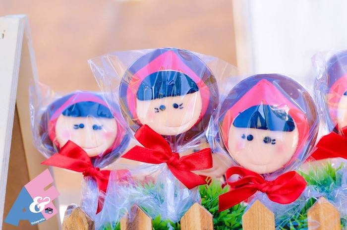 Little Red Riding Hood Pops from a Little Red Riding Hood Birthday Party via Kara's Party Ideas | KarasPartyIdeas.com (49)