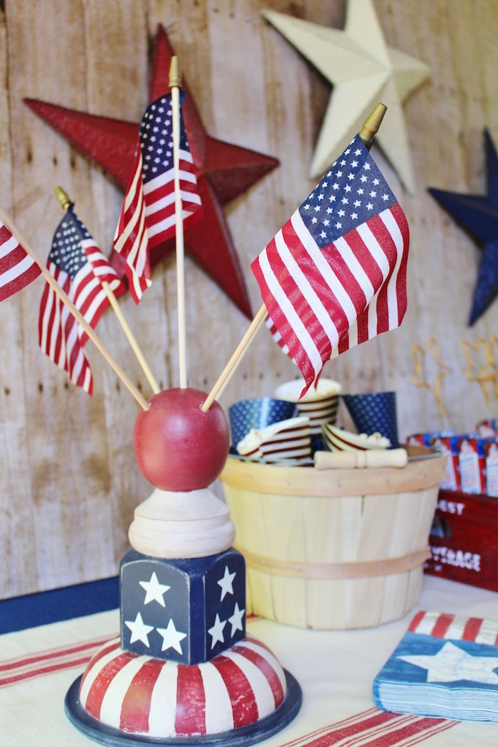Kara 39 s party ideas patriotic memorial day backyard bbq for American flag decoration ideas