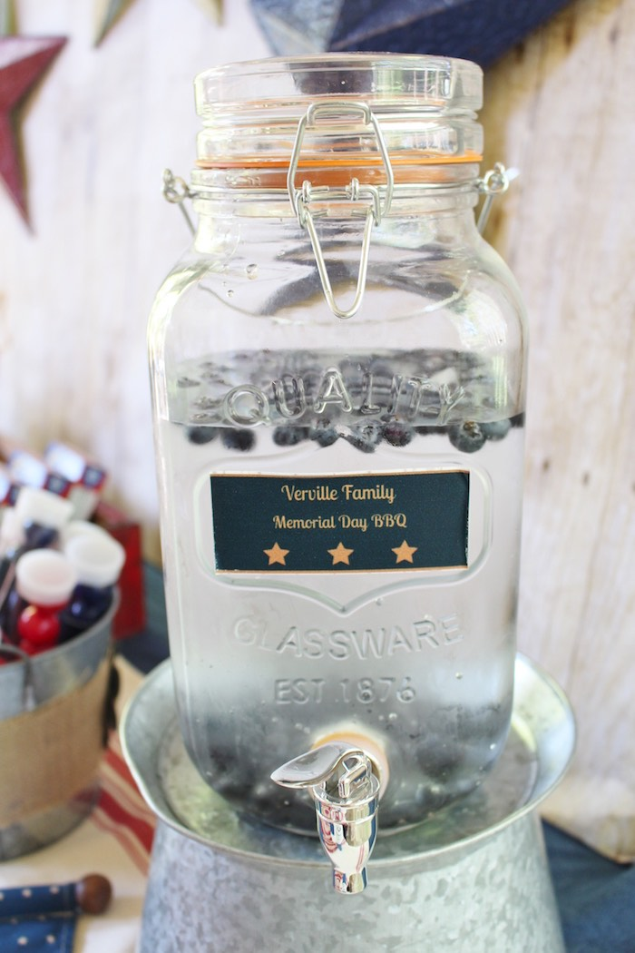 Karas Party Ideas Drink Dispenser From A Patriotic Memorial Day - Backyard bbq party ideas