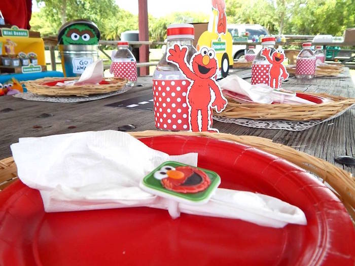 Guest Tablescape from a Rustic Whimsical Sesame Street Birthday Party via Kara's Party Ideas | KarasPartyIdeas.com (15)