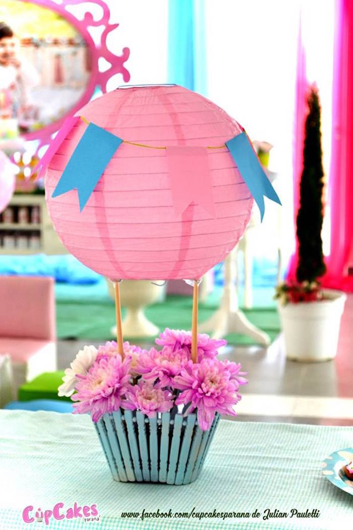 Kara 39 s party ideas shabby chic hot air balloon party for Birthday balloon centerpiece ideas