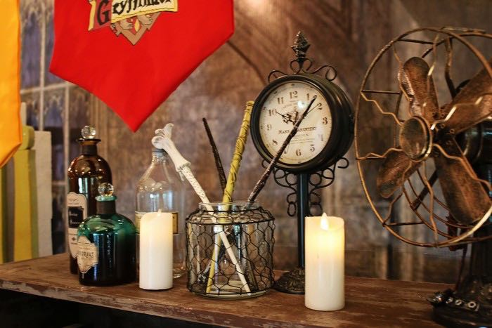 Decorations from a Boy Who Lived - Harry Potter Birthday Party via Kara's Party Ideas | KarasPartyIdeas.com (18)