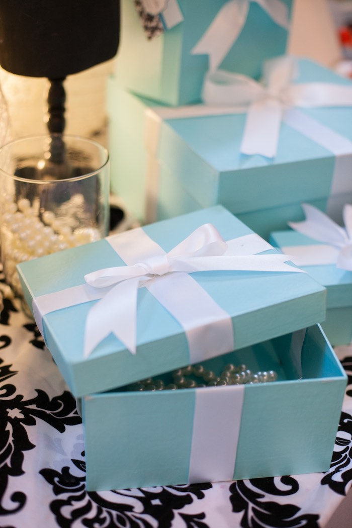 Tiffany's-inspired Boxes from a Breakfast at Tiffany's Inspired Birthday Party via Kara's Party Ideas | KarasPartyIdeas.com (9)