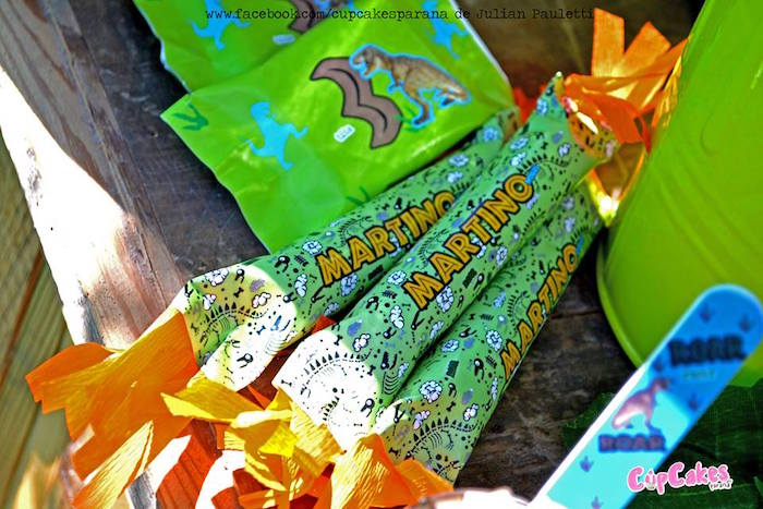 Treats + favors from a Dinosaur Birthday Party via Kara's Party Ideas | KarasPartyIdeas.com (17)