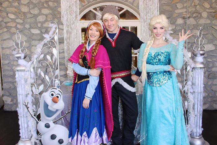 Anna + Elsa + Kristoff from a Frozen Themed Joint Birthday Party via Kara's Party Ideas | KarasPartyIdeas.com (20)
