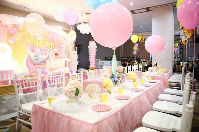 Guest tablescape from a Girly Circus + Dumbo Birthday Party via Kara's Party Ideas | KarasPartyIdeas.com (14)