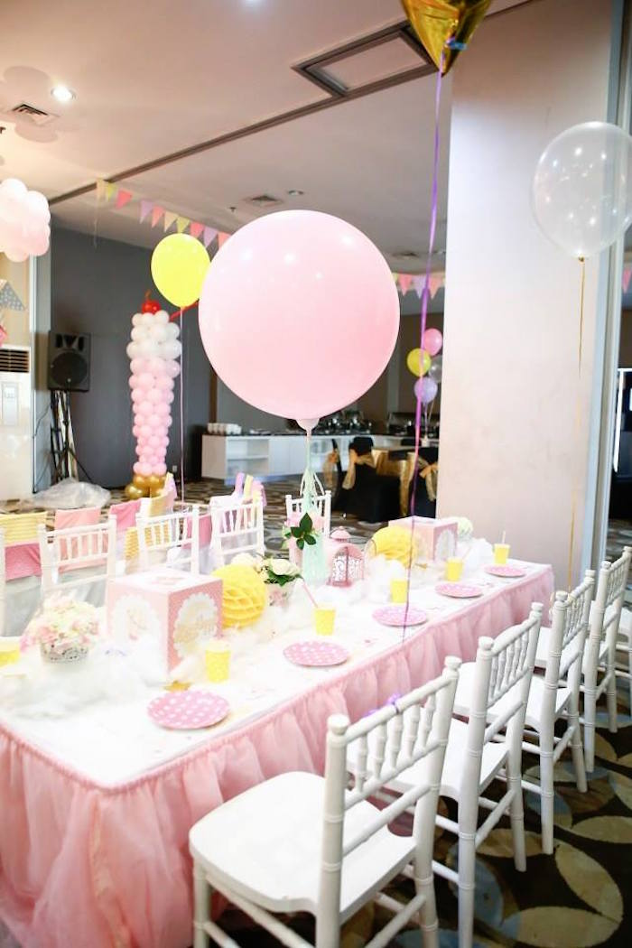 Guest table from a Partyscape from a Girly Circus + Dumbo Birthday Party via Kara's Party Ideas | KarasPartyIdeas.com (12)