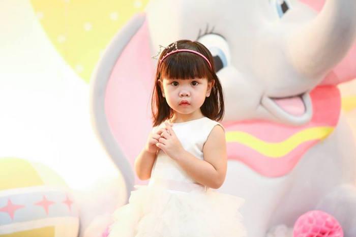 Birthday girl from a Girly Circus + Dumbo Birthday Party via Kara's Party Ideas | KarasPartyIdeas.com (20)