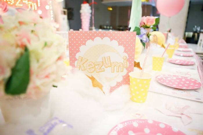 Guest tablescape from a Girly Circus + Dumbo Birthday Party via Kara's Party Ideas | KarasPartyIdeas.com (19)