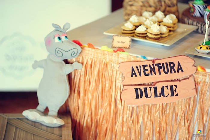 Decor from a Madagascar Jungle Safari Birthday Party via Kara's Party Ideas KarasPartyIdeas.com (37)