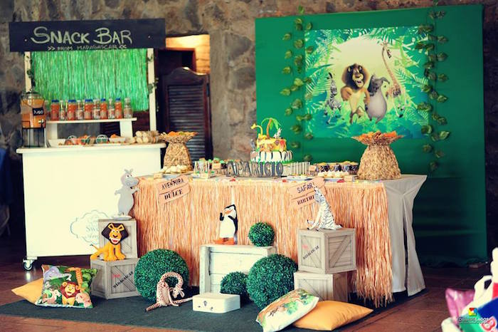 Madagascar Jungle Safari Birthday Party via Kara's Party Ideas KarasPartyIdeas.com (12)