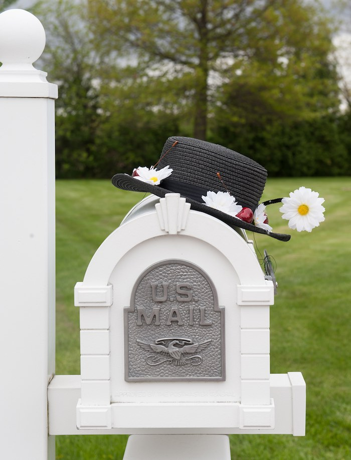 Mailbox decor from a Mary Poppins Themed Birthday Party via Kara's Party Ideas | KarasPartyIdeas.com - The Place for All Things Party! (36)
