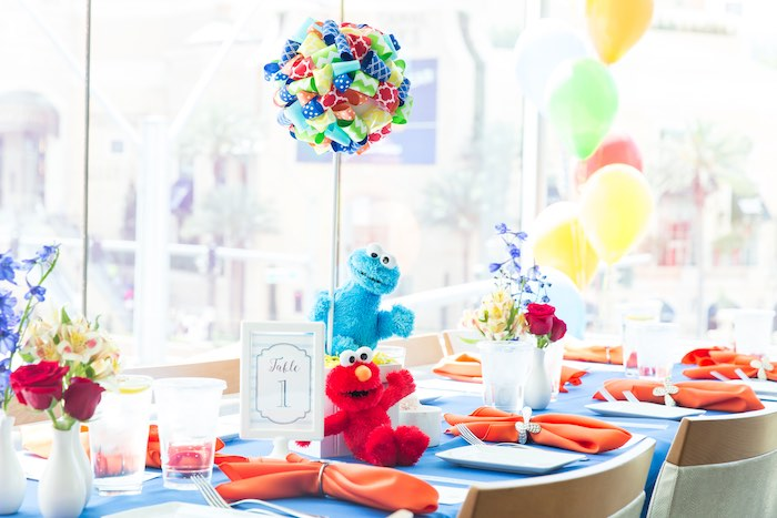 Guest tablescape from a Sesame Street Birthday Party via Kara's Party Ideas | KarasPartyIdeas.com - The Place for All Things Party! (22)