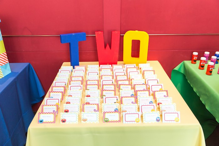 Table from a Sesame Street Birthday Party via Kara's Party Ideas | KarasPartyIdeas.com - The Place for All Things Party! (18)