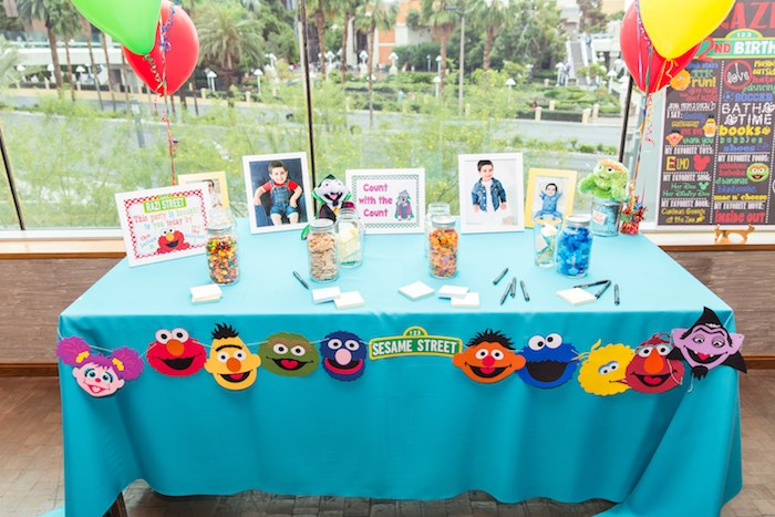 Guessing Counting Table From A Sesame Street Birthday Party Via Karas Ideas
