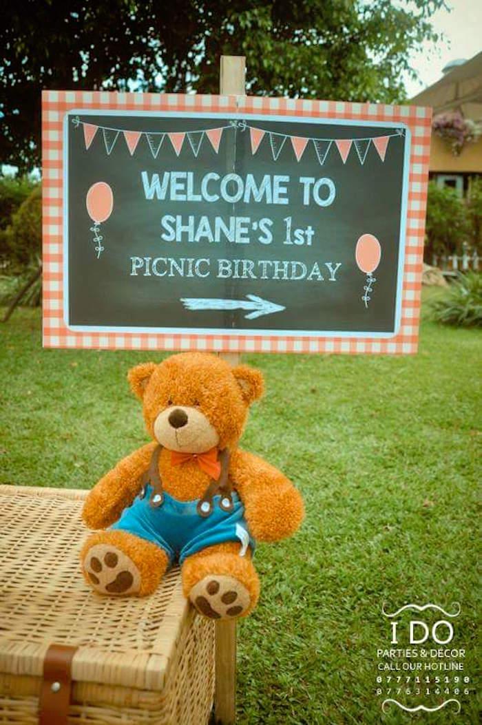 Kara\'s Party Ideas Teddy Bear Birthday Party Picnic | Kara\'s Party ...