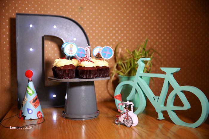 Kara 39 S Party Ideas Vintage Bicycle Tricycle Themed 1st