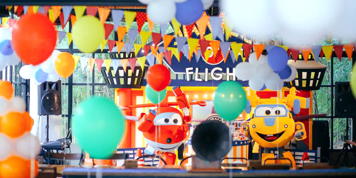 Airplane Themed Birthday Party via Kara's Party Ideas | KarasPartyIdeas.com (2)