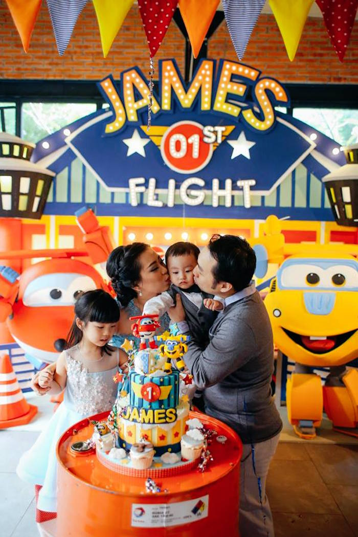 Birthday kisses from an Airplane Themed Birthday Party via Kara's Party Ideas | KarasPartyIdeas.com (19)