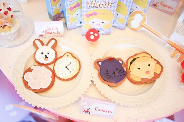 Cookies from an Alice in Wonderland Birthday Tea Party via Kara's Party Ideas | KarasPartyIdeas.com (7)