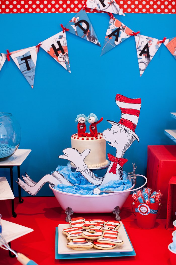 Table decor from a Cat in the Hat themed Birthday Party via Kara's Party Ideas | KarasPartyIdeas.com - The Place for All Things Party! (77)