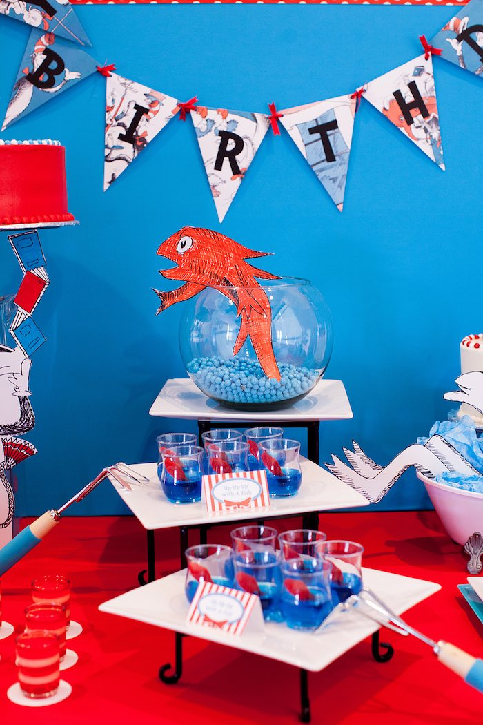 Table Decor Sweets From A Cat In The Hat Themed Birthday Party Via Karas