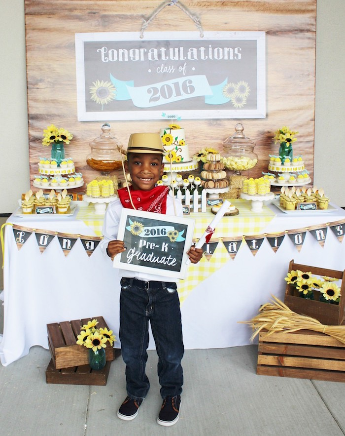 Country Fair Graduation Party via Kara's Party Ideas KarasPartyIdeas.com (3)