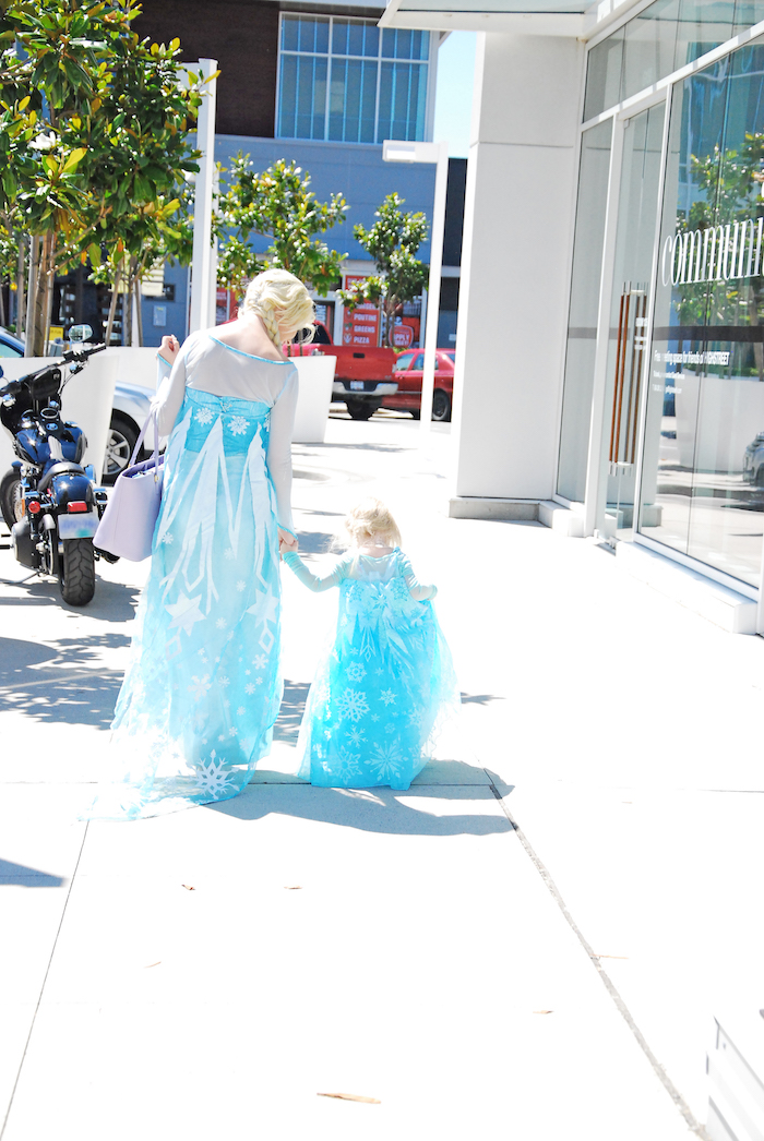 Glam Frozen Themed Birthday Party via Kara's Party Ideas KarasPartyIdeas.com (5)