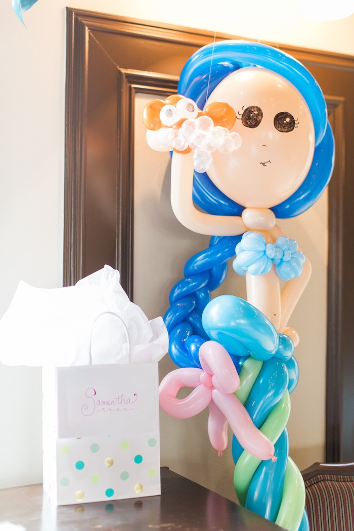 Balloon mermaid from a Mermaids & Pirates Birthday Party via Kara's Party Ideas KarasPartyIdeas.com (27)