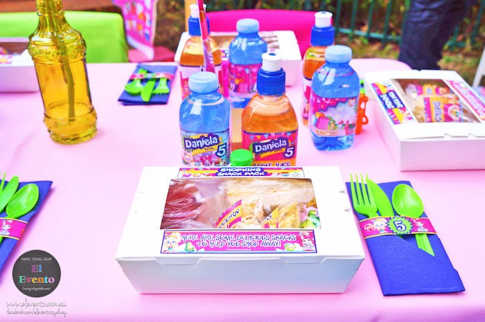Lunch box place setting from a Shopkins Birthday Party via Kara's Party Ideas | KarasPartyIdeas.com (6)