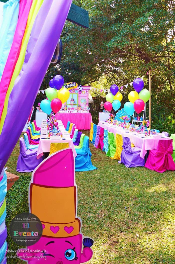 Entrance to a Shopkins Birthday Party via Kara's Party Ideas | KarasPartyIdeas.com (25)
