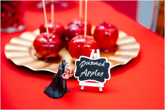 Poisoned candied apples from a Crimson Red Snow White Birthday Party via Kara's Party Ideas | KarasPartyIdeas.com - The Place for All Things Party! (17)