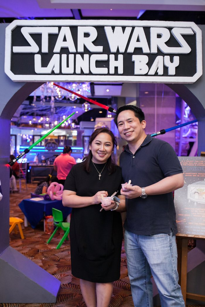 Launch Bay entrance from a Star Wars Birthday Party via Kara's Party Ideas | KarasPartyIdeas.com (6)