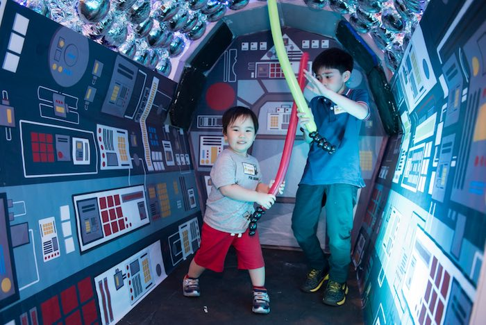Spaceship photo op from a Star Wars Birthday Party via Kara's Party Ideas | KarasPartyIdeas.com (5)