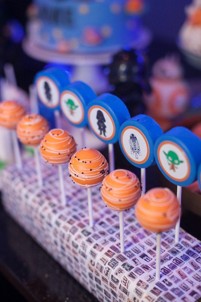 Cake pops & chocolate covered Oreos from a Star Wars Birthday Party via Kara's Party Ideas | KarasPartyIdeas.com (42)