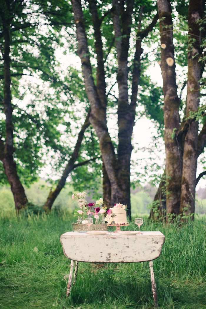 Wedding Ideas Pinterest 92 Elegant Beautiful cake table setting