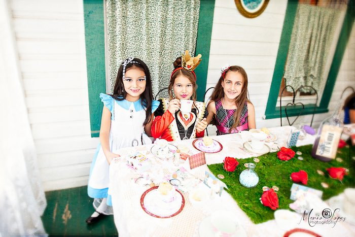 Tea time at an Alice in Wonderland Birthday Party via Kara's Party Ideas | KarasPartyIdeas.com (25)