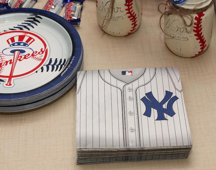 Yankees plates & napkins from a Baseball + Yankees Inspired Birthday Party via Kara's Party Ideas | KarasPartyIdeas.com (16)