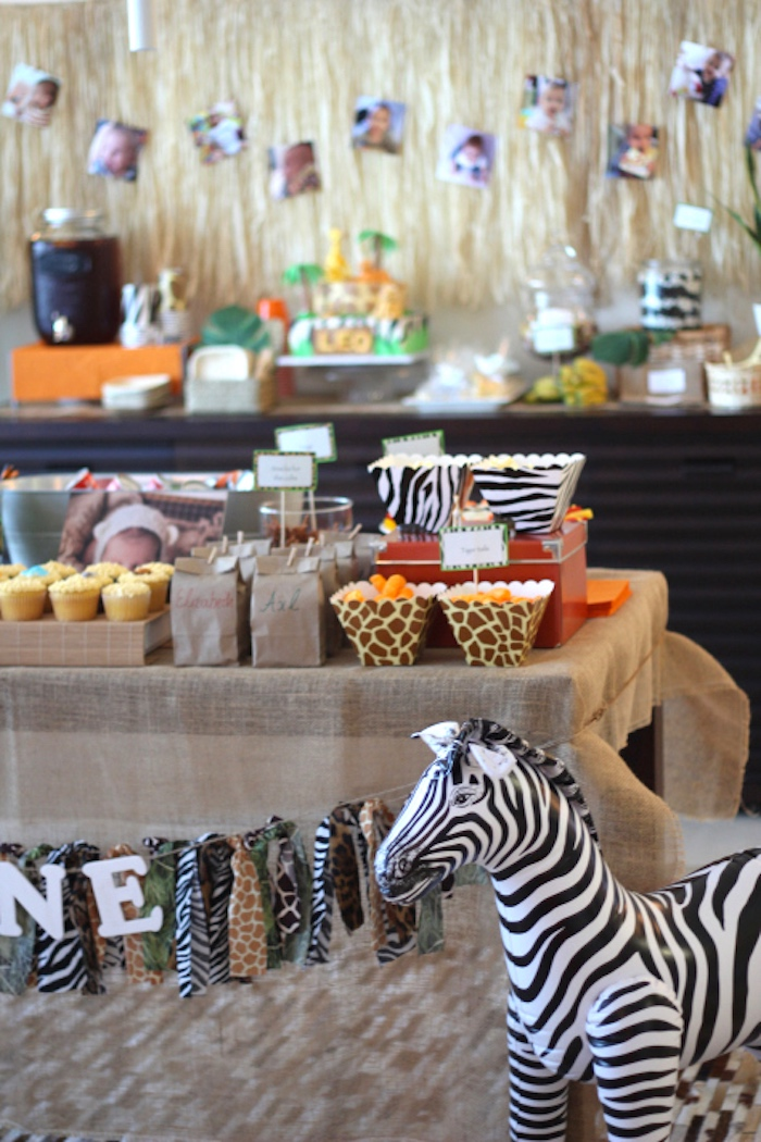Snack + favor table from a Jungle Safari Birthday Party via Kara's Party Ideas | KarasPartyIdeas.com (7)
