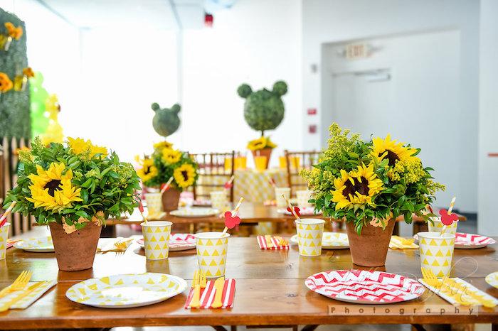 Kara's Party Ideas Minnie Mouse Sunflower Garden Party ...