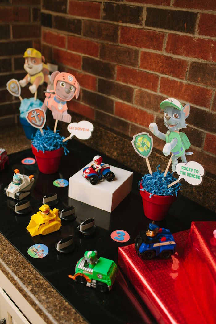 Paw Patrol party decor from a Paw Patrol Themed Birthday Party via Kara's Party Ideas KarasPartyIdeas.com (16)