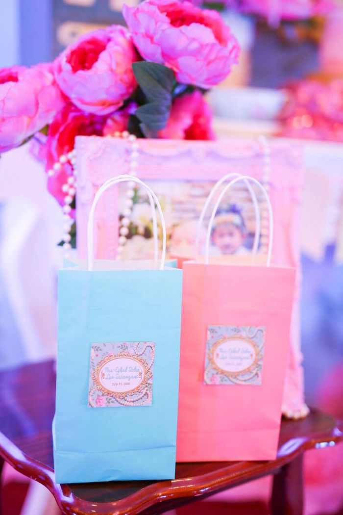 Favor bags from a Sweet Victorian Tea Party on Kara's Party Ideas | KarasPartyIdeas.com (10)