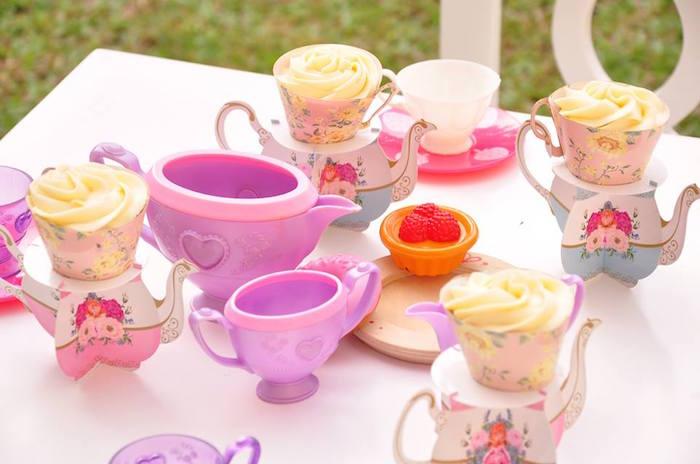 Vintage Alice in Wonderland Birthday Party on Kara's Party Ideas | KarasPartyIdeas.com (27)