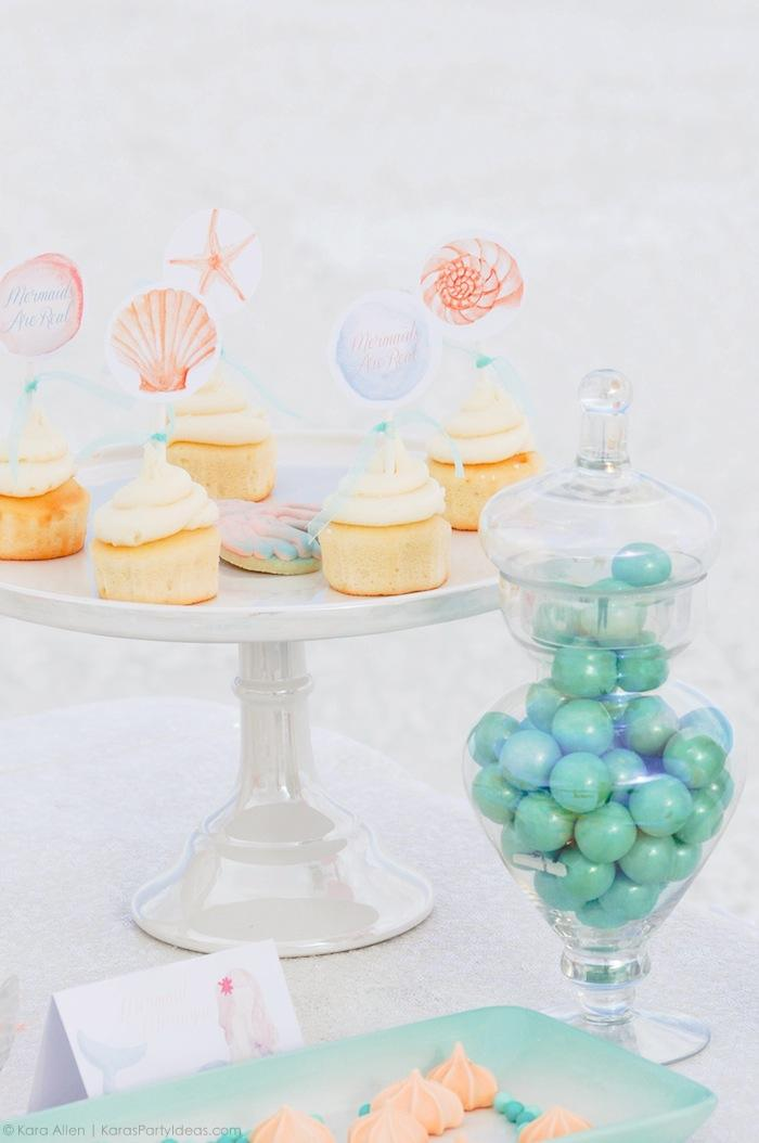 cupcakes-at-a-mermaid-under-the-sea-themed-birthday-party-by-kara-allen-karas-party-ideas-karaspartyideas-com_-68