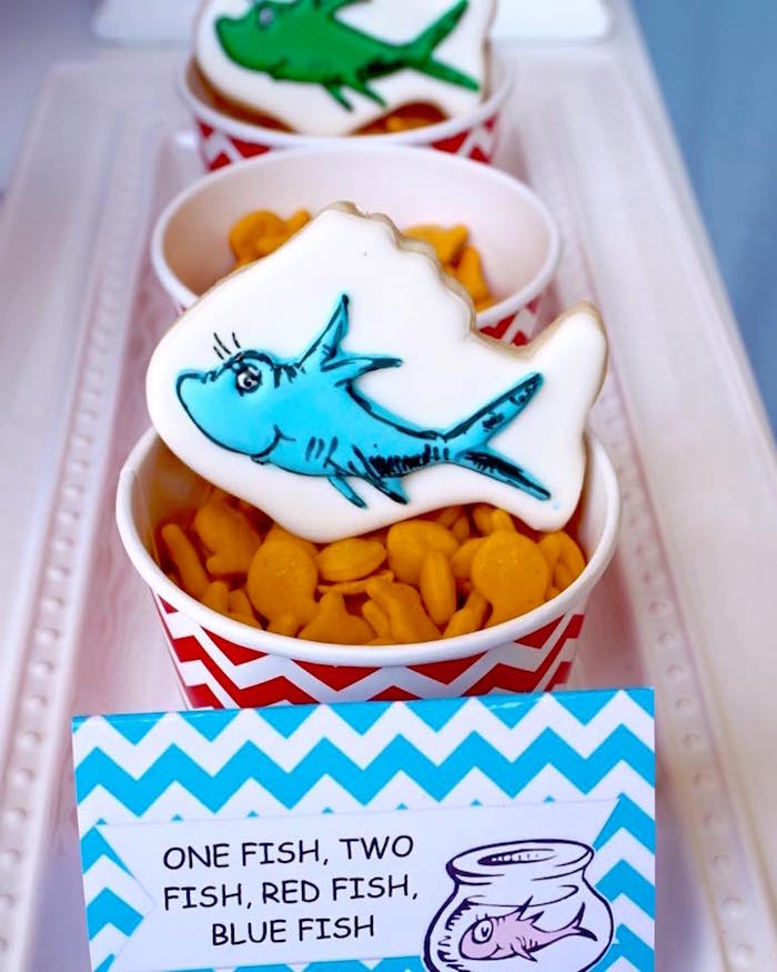 Goldfish snack cups with fish cookie from a Dr. Seuss Birthday Party on Kara's Party Ideas | KarasPartyIdeas.com (11)