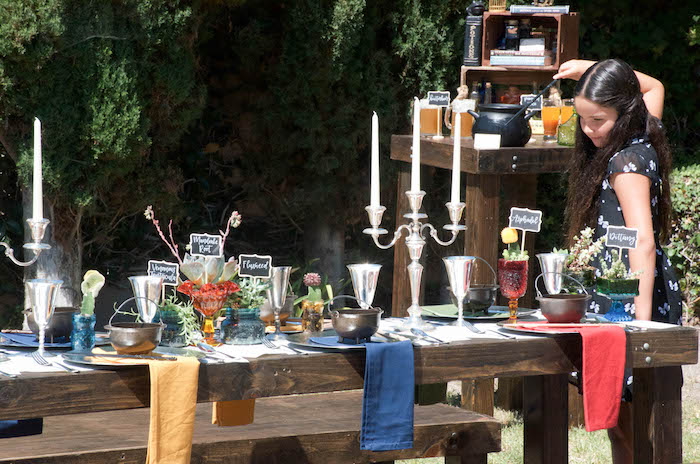 Guest tablescape from a Harry Potter Birthday Party on Karau0027s Party Ideas | KarasPartyIdeas.com & Karau0027s Party Ideas Outdoor Harry Potter Birthday Party | Karau0027s ...