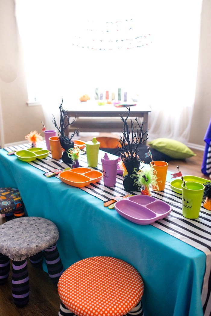 Party tablescape from a Monster Mash Halloween Party on Kara's Party Ideas   KarasPartyIdeas.com (61)