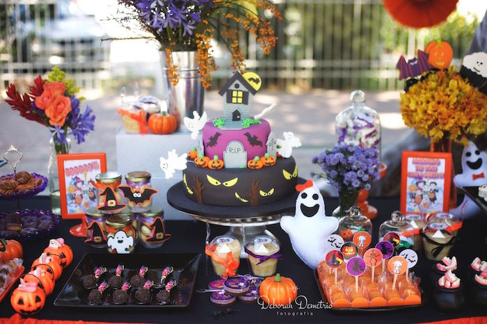Kara 39 S Party Ideas Orange Purple Black Halloween Party